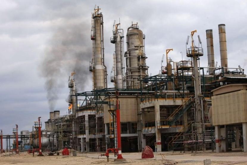 Ladang minyak (ilustrasi)