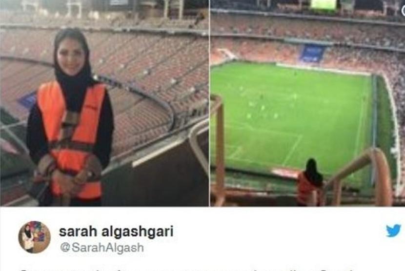 Perempuan Saudi Pertama yang Bekerja di Stadion Sepak Bola