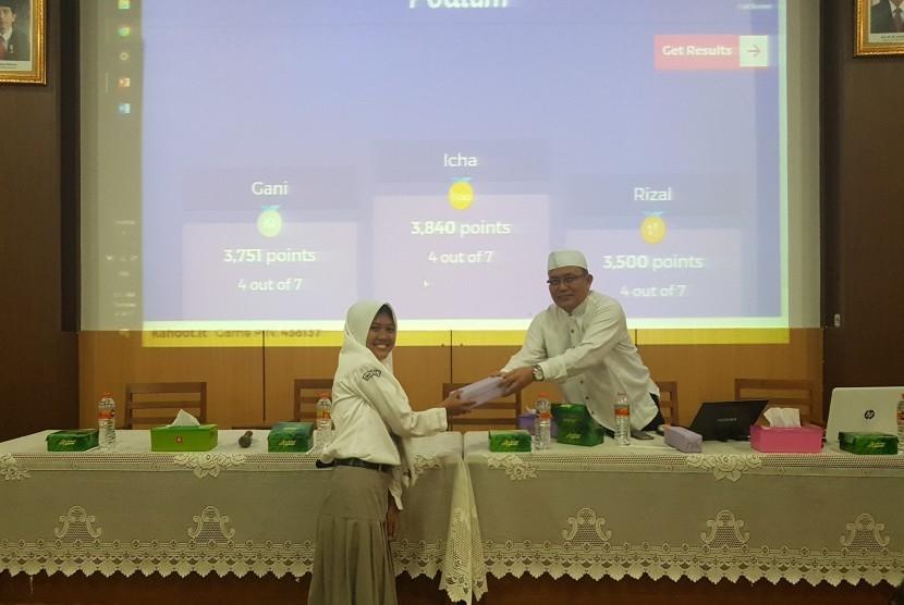 Sarasehan Remaja Masjid, Pengembangan Karakter Berbasis Tasawuf di SMA 1 Jepara, Jawa Tengah.