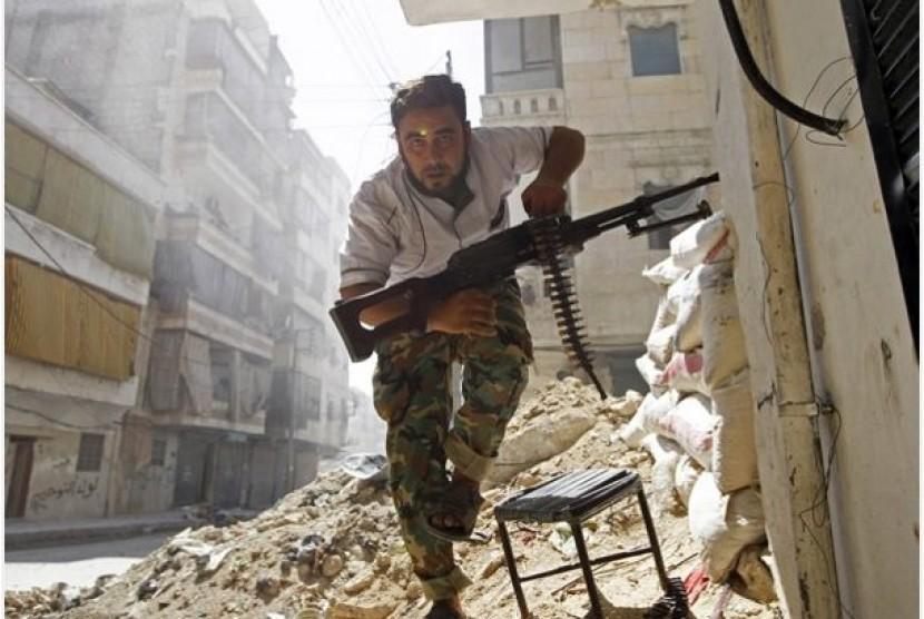 Satu anggota pemberontak Suriah di Kota Aleppo