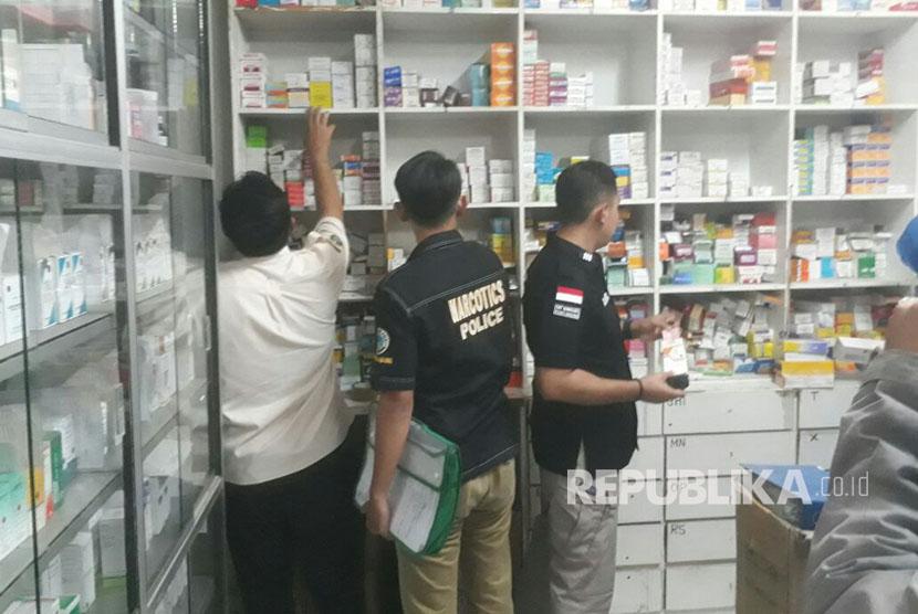 10 toko obat di bekasi beroperasional ilegal republika online