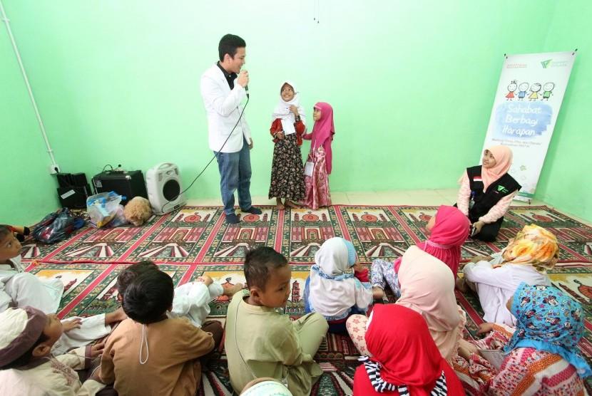 Para Profesional Berbagi Motivasi dengan Anak-anak Dhuafa