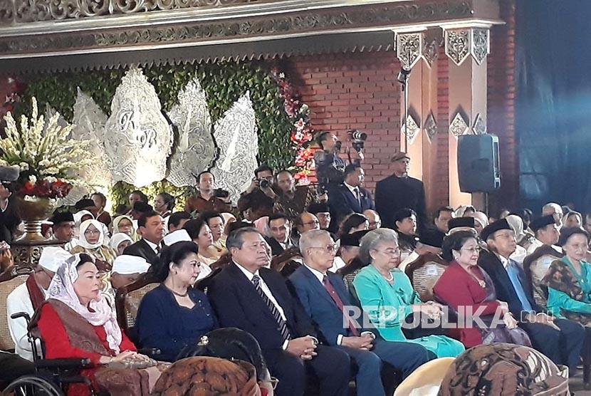 Kaca Bergrafir Jadi Suvenir Pernikahan Putri Jokowi