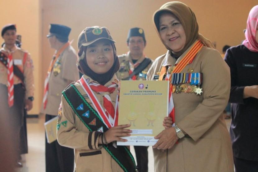 SDT Bina Ilmu Parung meraih nilai A dalam akreditasi Gugus Depan (Gudep) Gerakan Pramuka yang dilakukan Kwartir Cabang  Kabupaten Bogor.