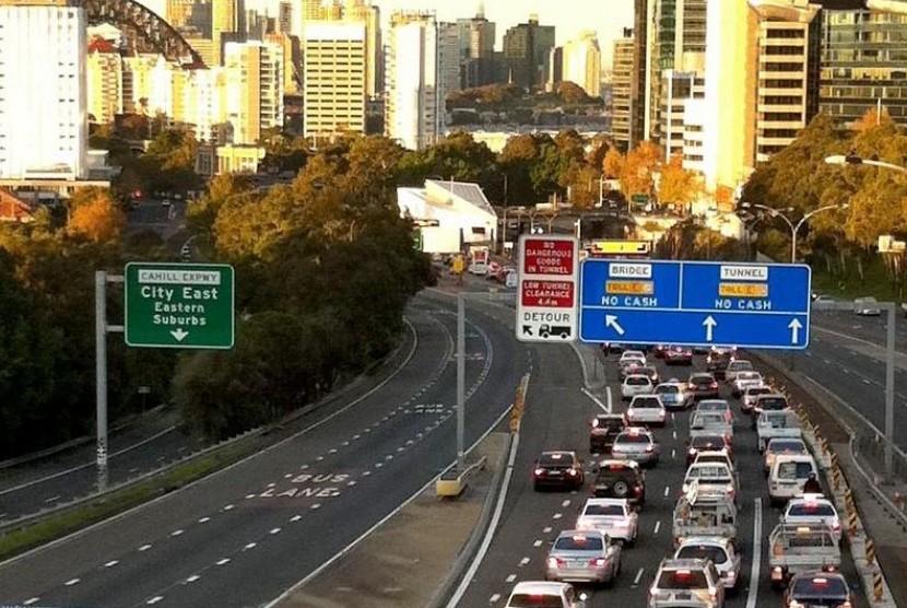 Pemilik Mobil Lewat Tol di Sydney Bisa Bebas Pajak, Asal....
