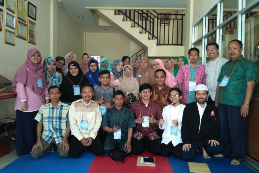 Sebanyak 28 guru yang berasal dari berbagai daerah seperti, Jabodetabek, Kebumen, Ciamis, Boyolali, Sukabumi, Bandung, Probolinggo, dan Banjarmasin mengikuti pelatihan MNR.