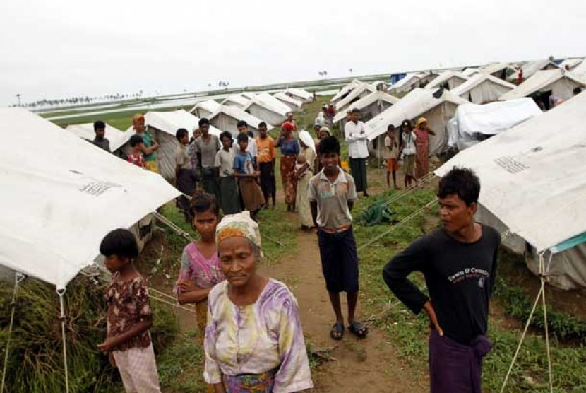 Around 50 thousands Rohingya people take refugee in Baw Pha Du camp in Sittwe, Rakhine, Myanmar. (illustration)