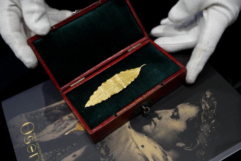 Daun Emas Napoleon Bonaparte Diperkirakan Laku Rp 1,6 Miliar