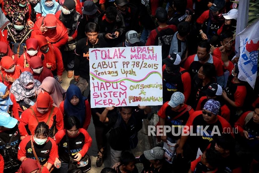 Unjuk rasa buruh (ilustrasi)