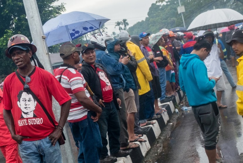 A group of workers of PT Freeport Indonesia stage a demonstration in front of the Mimika district administration, Papua.