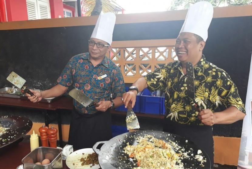 Sejumlah chef terbaik dari Lynn Hotel pun didatangkan untuk membagikan tips-tips masak yang dimiliki kepada staf-staf Republika.