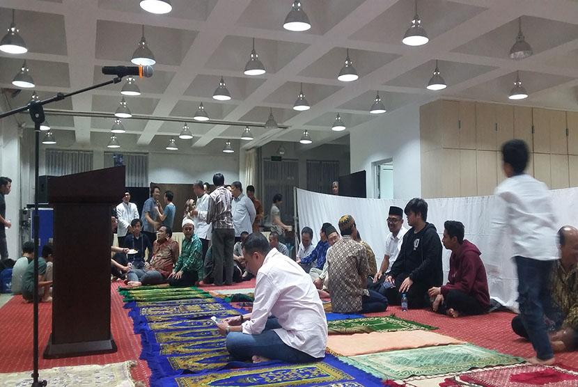 Sejumlah jamaah di aula KBRI Beijing