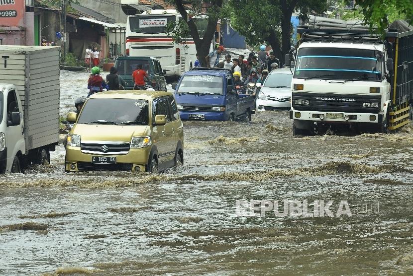 banjir di kawasan Jalan Raya Rancaekek (ilustrasi)