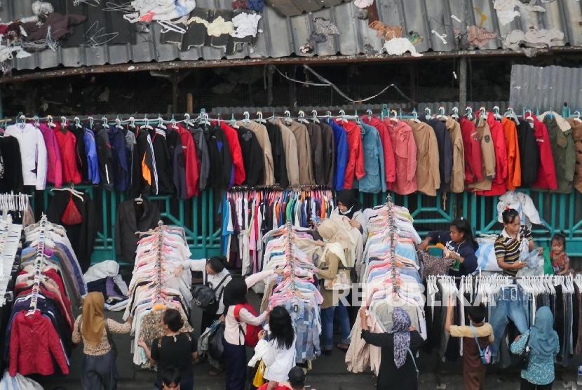Pedagang di Loksem Pasar Senen Keluhkan Omzet Menurun