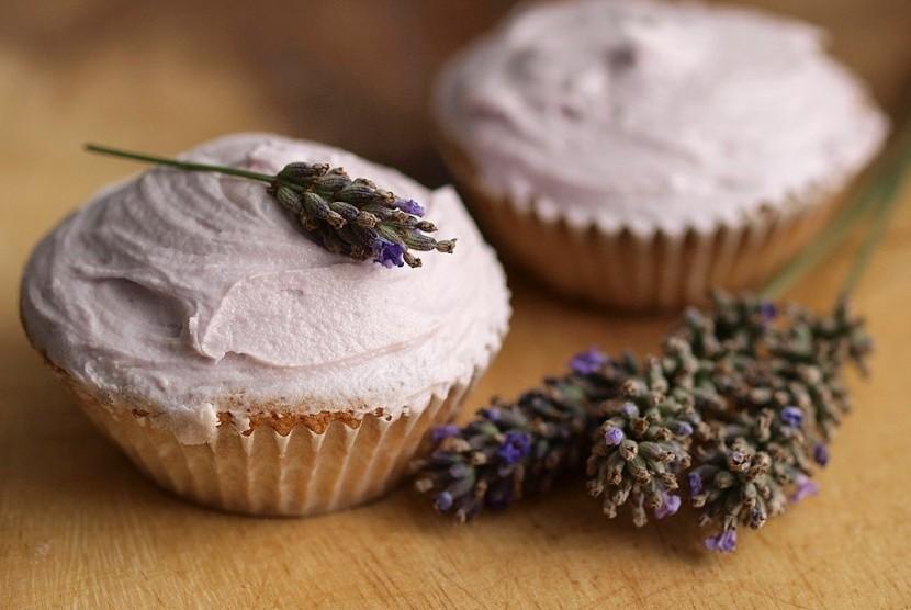 Sejumlah makanan diperkirakan akan jadi tren di 2018, salah satunya makanan atau minuman dengan tambahan bunga alami seperti lavender.