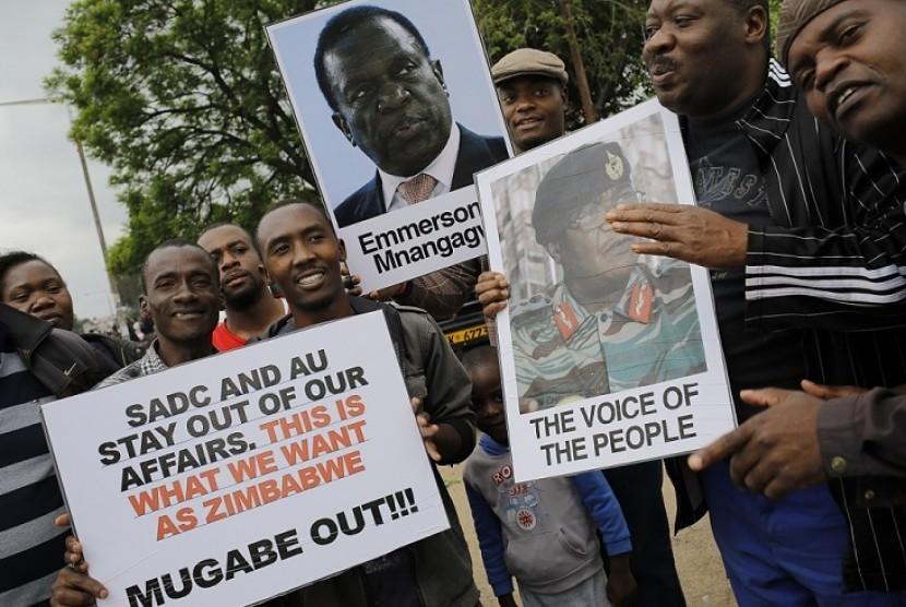 Mahasiswa Zimbabwe Boikot Ujian Sampai Mugabe Lengser