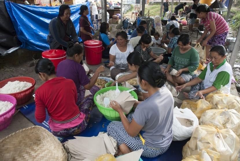 Pemkab Dirikan Dapur Umum Korban Banjir di Krui