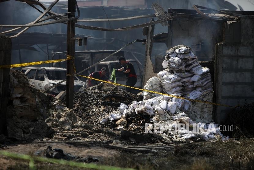 Polisi Ambil Bukti Kebakaran Maut di Kosambi