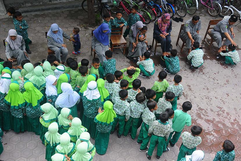 Anak SD Diwajibkan Mengenyam Pendidikan Diniyah, Didin Hafidhuddin: Bagus!