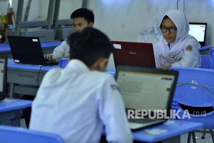 Pemerintah Diminta Beri Sanksi untuk Cegah Soal Ujian SARA