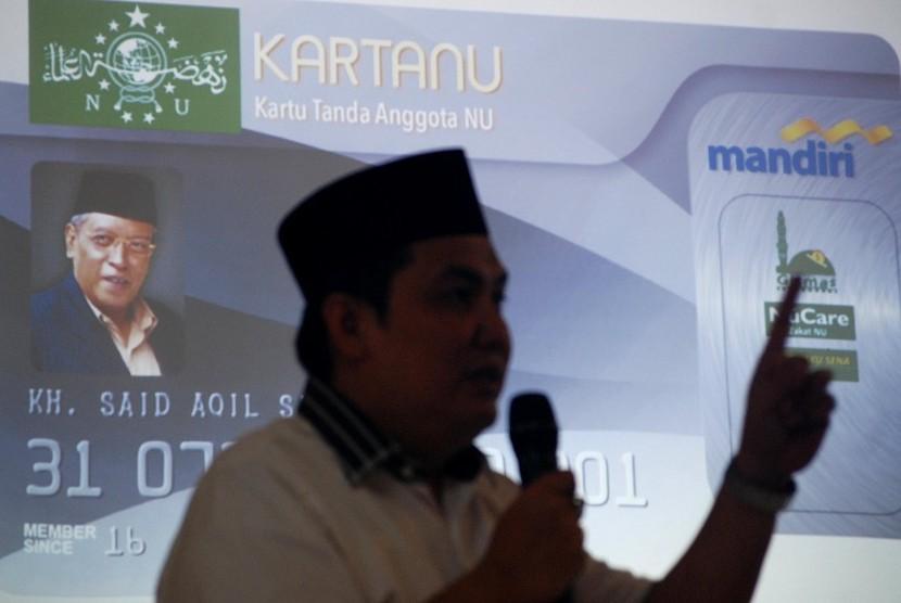 Sekjen Pengurus Besar Nahdlatul Ulama (PBNU) Helmi Faisal Zaini mempresentasikan Elektronik Kartu Tanda Anggota NU (e-Kartanu) saat diluncurkan di Ungaran, Kabupaten Semarang, Jawa Tengah, Rabu (6/4).