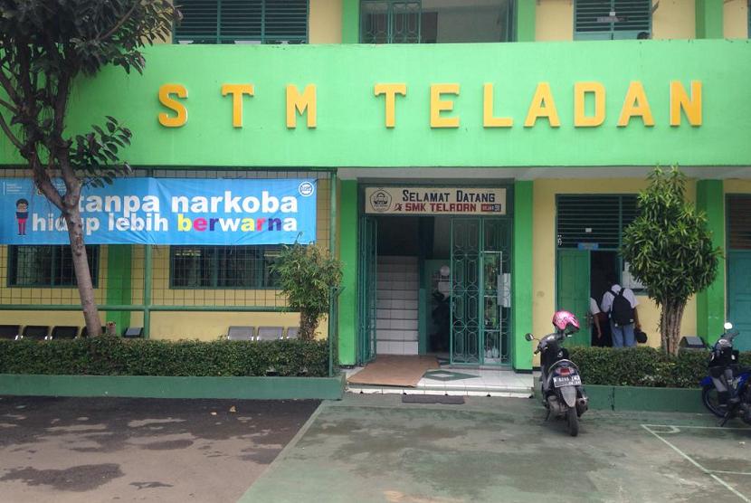 Sekolah Menengah Kejuruan (SMK) Teladan, Srengseng Sawah, Jakarta Selatan.