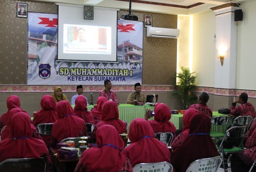 Guru SD Muhammadiyah Abepura Studi Banding ke Solo