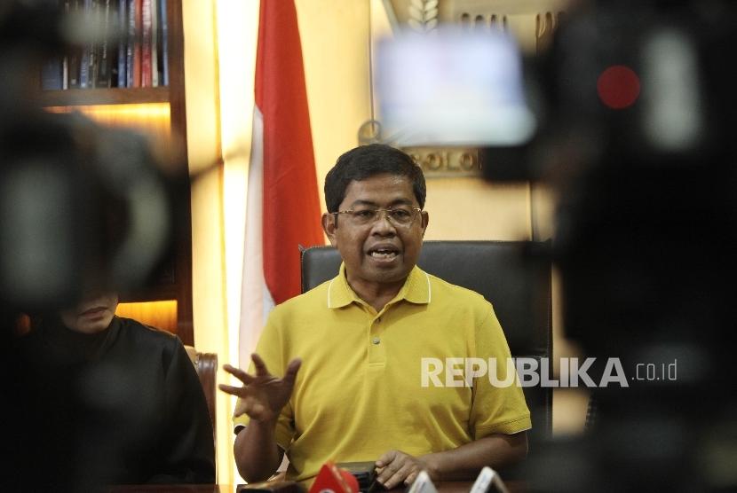 Sekretaris Jenderal (Sekjen) DPP Golkar Idrus Marham saat memberikan keterangan pers di Kantor DPP Golkar, Jakarta, Ahad (26/12).