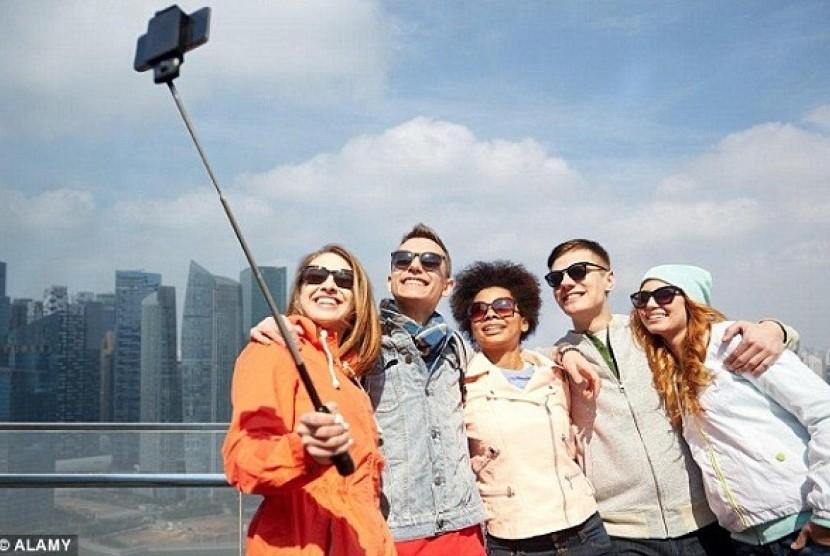 Selfie sangat menjengkelkan setiap turis yang melihatnya