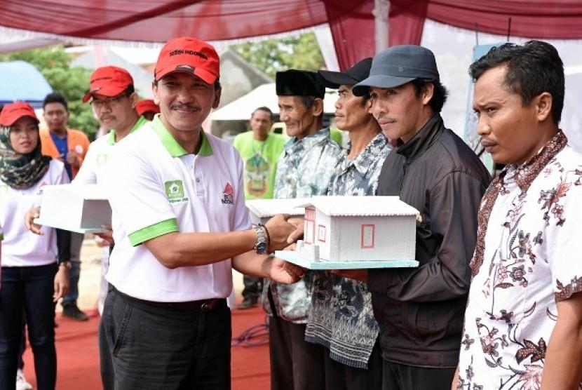 Semen Indonesia Salurkan Rp 1,78 Miliar untuk Bantuan Pembangunan Rumah