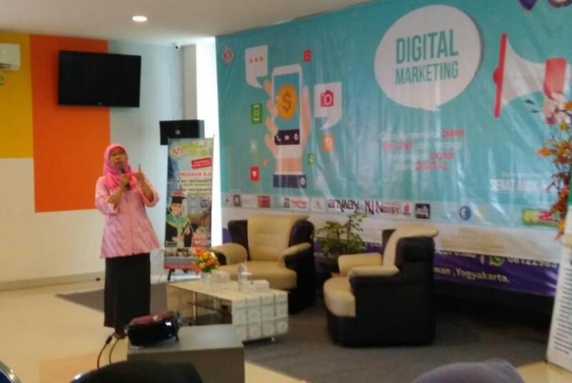 Seminar digital marketing yang diadakan oleh SEMA AMIK dan AKPAR BSI Yogakarta.