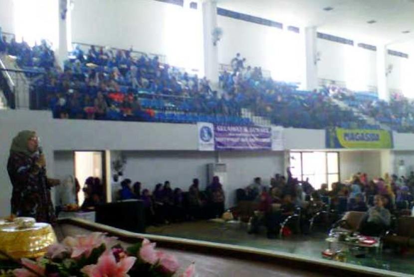 Seminar Kefarmasian Nasional