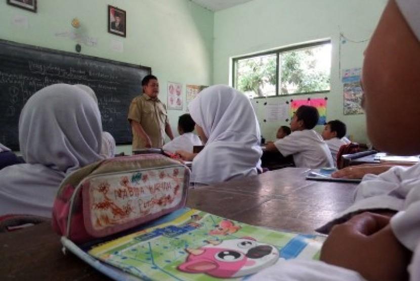 250 Ribu Guru Honorer Penuhi Syarat CPNS