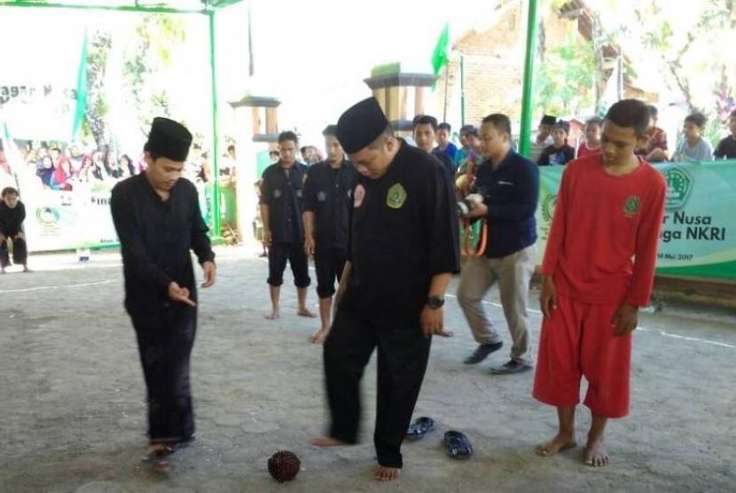 Pesantren Al Hasani Gelar Sepakbola Durian