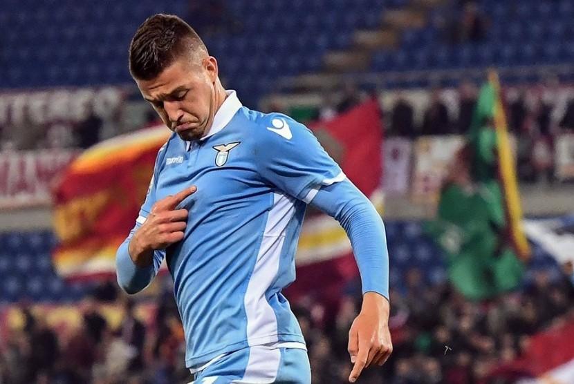 PSG Dilaporkan Tawar Gelandang Lazio Rp 2,7 Triliun