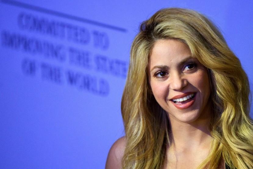 Pendarahan Pita Suara, Shakira Tunda Tur Dunia