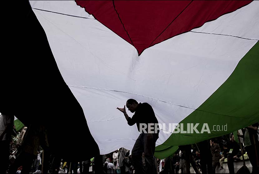 Rally to commemorate International al-Quds Day in Jakarta, held on June 23.