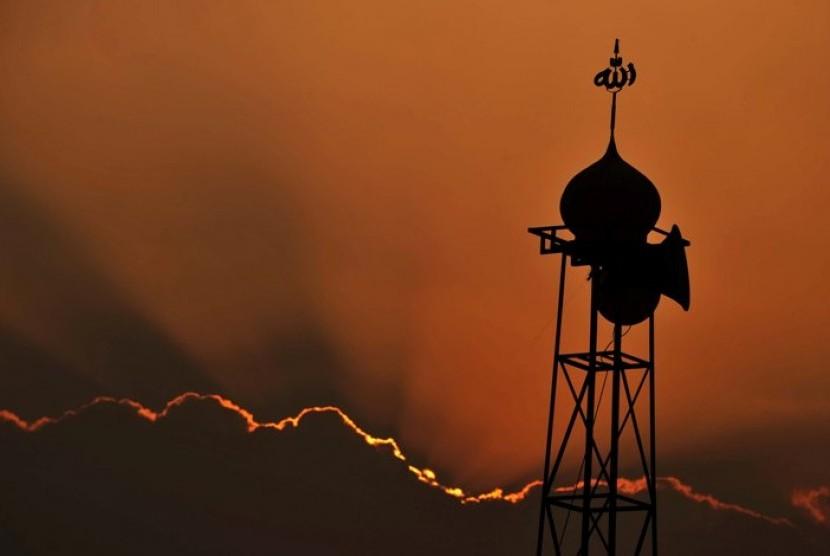 Siluet pengeras suara Masjid