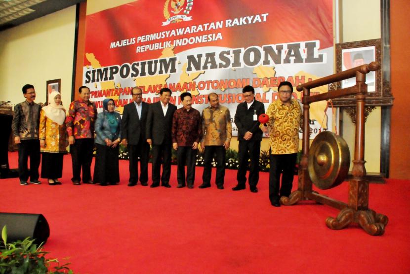Simposium Nasional MPR RI, di Gedung Nusantara IV, Kompleks Gedung MPR, Senayan, Jakarta, Rabu (4/10).