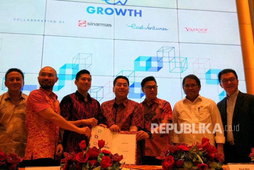 Sinar Mas Digital Ventures (SMDV) menggandeng East Ventures dan Yahoo Japan untuk membentuk EV Growth. Modal ventura hasil kolaborasi tiga perusahaan tersebut membidik 20 perusahaan rintisan (startup) untuk disuntikkan modal.