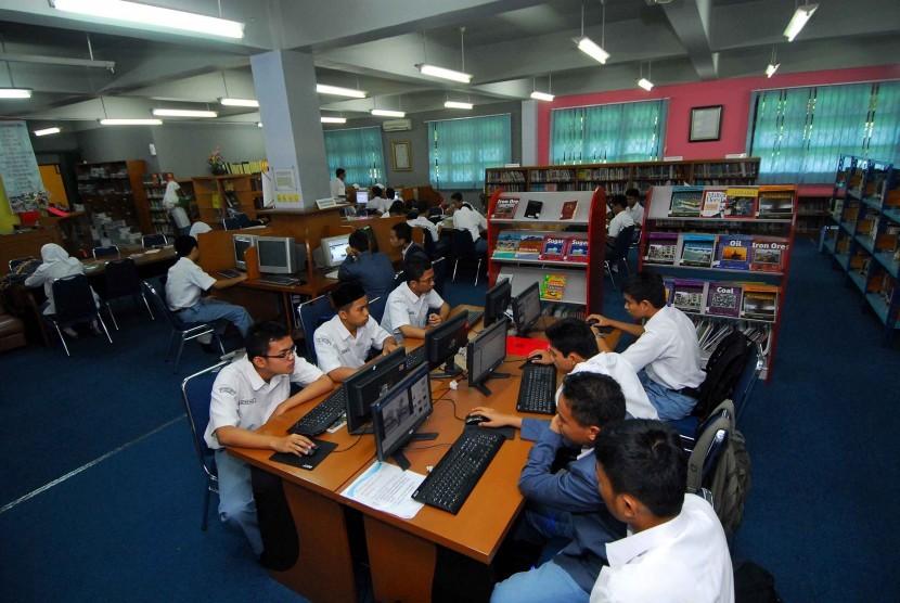Siswa Madrasah Aliyah Negeri (MAN) Insan Cendekia Serpong tengah belajar. (ilustrasi)