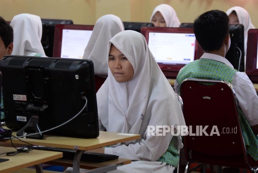 Kemendikbud Targetkan 60 Persen Pelaksanaan Un Berbasis Komputer Republika Online