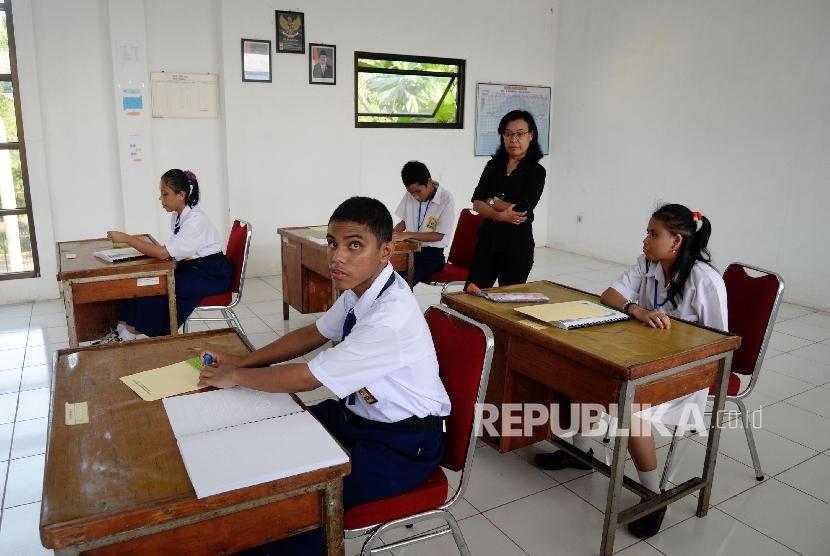 Siswa Berkebutuhan Khusus Ikuti Un Smp Di Indramayu Republika Online
