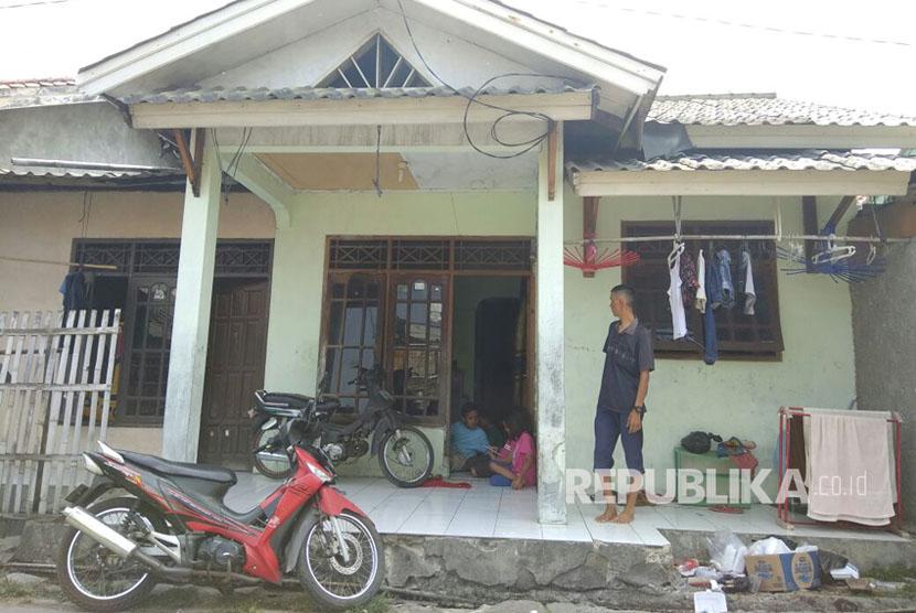 Situasi di rumah pasangan Rudiyanto Simanjorang dan Henny Silalahi, orang tua balita Tiara Debora Simanjorang di Jalan Jaung, Benda, Kota Tangerang, Ahad (10/9).