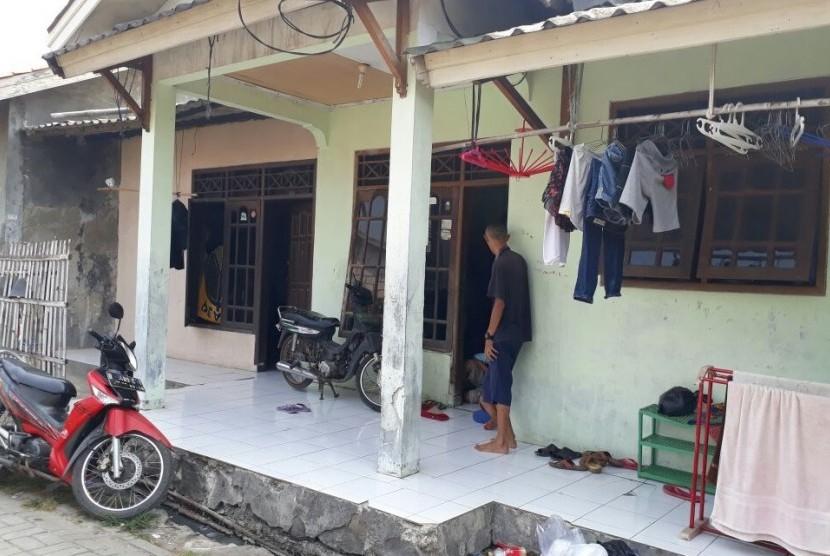 Situasi rumah pasangan Rudiyanto Simanjorang dan Henny Silalahi, orang tua balita Tiara Debora Simanjorang di Jalan Jaung, Benda, Kota Tangerang, Ahad (10/9).