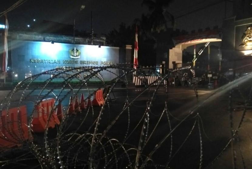 Situasi terkini Markas Korps Brimob Kelapa Dua Depok usai terjadi kericuhan yang dikabarkan terjadi di Rutan Teroris Korps Brimob (cabang rutan salemba) pada Jumat (10/11) sore.
