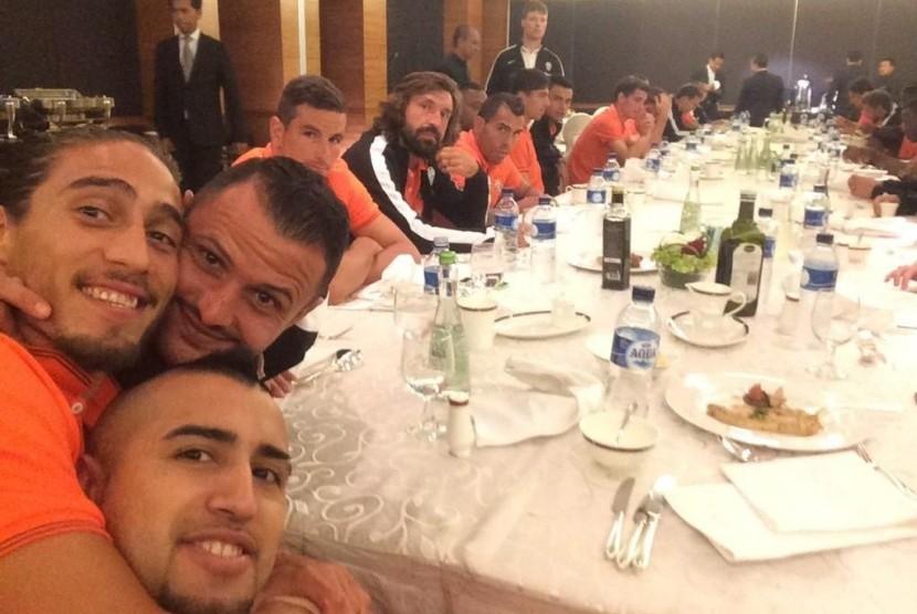 Skuat Juventus istirahat sejenak setibanya di Jakarta