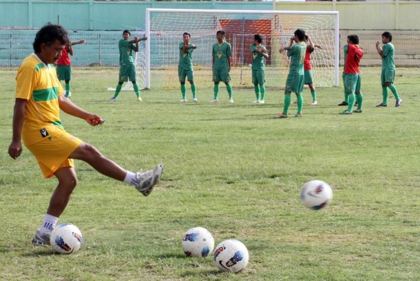 Skuat Persikab saat masih berlaga pada ajang Piala Copa Indonesia pada 2012 silam. Kini, tim kebanggan masyarakat Kabupaten Bandung itu ikut berkompetisi di Liga Nusantara.
