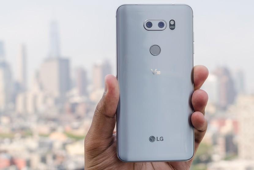 Smartphone LG V30. Ilustrasi