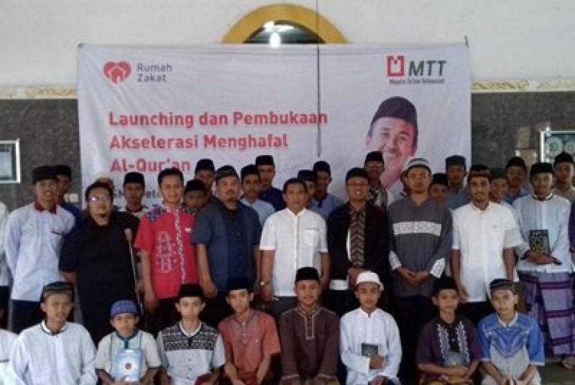 SMK Peternakan Juara MTT Subang meresmikan karantina tahfiz Alquran yang bertempat di Rumah Tahfidz Abu Darda, Kecamatan Cisalak, Subang.